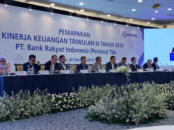 Jajaran direksi PT Bank Rakyat Indonesia (Persero) Tbk. Memaparkan kinerja keuangan perseroan hingga kuartal III/2019, Jakarta - Bisnis/Lalu Rahadian