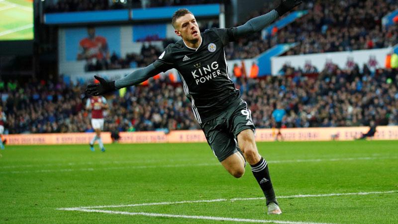 Striker Leicester City Jamie Vardy setelah menjebol gawang Aston Villa. - Reuters/Eddie Keogh