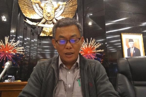 Ketua DPRD DKI Jakarta sekaligus Ketua Badan Anggaran (Banggar) DPRD DKI Jakarta Prasetio Edi Marsudi memberikan pernyataan pada awak media di Gedung DPRD DKI Jakarta, Senin (25/11/2019) malam - Antara/Ricky Prayoga