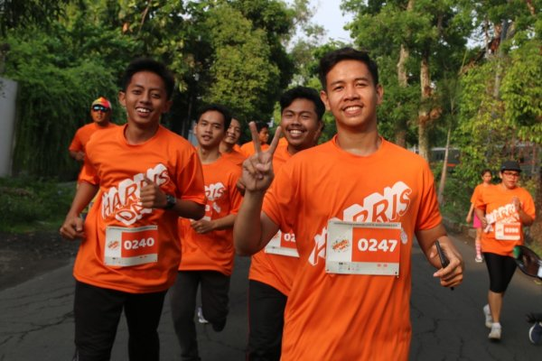 HARRIS Hotel menyelenggarakan HARRIS Day Fun Bubble Run berjarak 5 km.