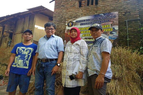 Wakil Rektor Bidang Kerja Sama UB Prof. Sasmito Djati (dua dari kiri). - Istimewa