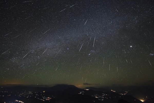 Saksikan Hujan Meteor Geminid Malam Ini Puncaknya Teknologi Bisnis Com