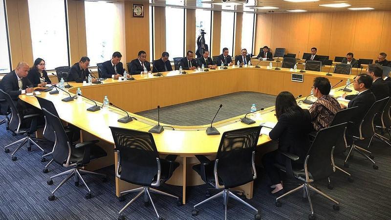Wakil Ketua DPR RI Koordinator Industri dan Pembangunan (Korinbang) Rachmat Gobel dan rombongan melakukan pertemuan dengan Federasi Organisasi Perdagangan Eksternal Jepang (JETRO) dalam rangkaian kunjungan muhibah ke Jepang pada 9-15 November 2019. - Istimewa