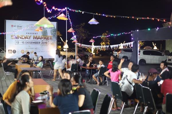 Suasana Sunday Market UC Group Company - Istimewa