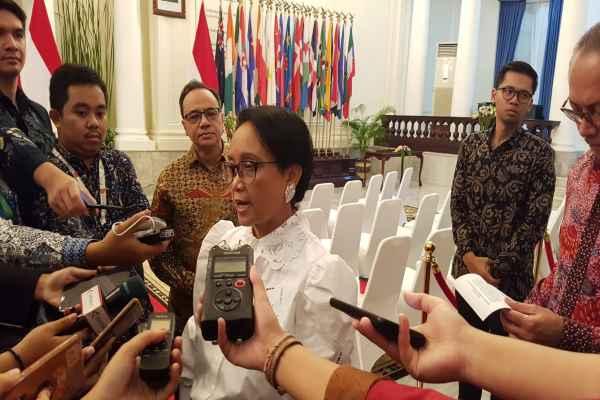 Menteri Luar Negeri Retno Marsudi ditemui usai penandatanganan