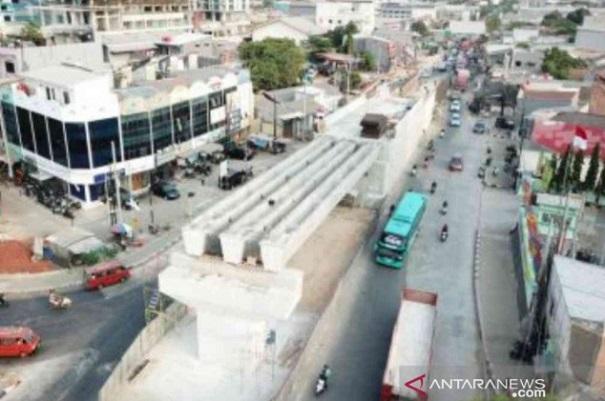Progres pembangunan Flyover Rawapanjang, Kota Bekasi, Jawa Barat mencapai 60 persen pada akhir September 2019 lalu. - Antara
