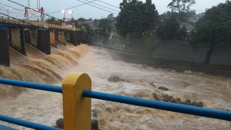 Bendung Katulampa, Bogor. - Antara