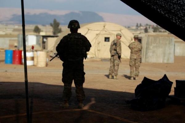 Seorang tentara AS berjaga di sebuah basis militer AS di Mosul, Irak, Selasa (14/2/2017). - Reuters/Khalid al Mousily