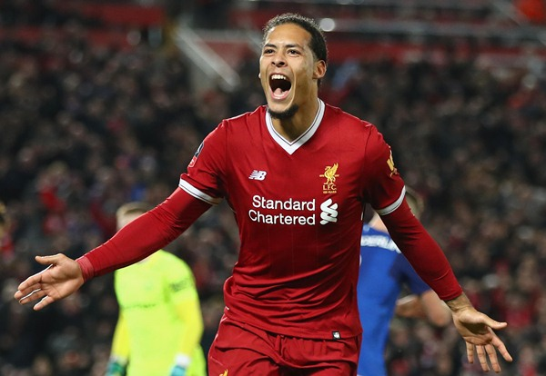Bek Liverpool Virgil Van Dijk - Premier League