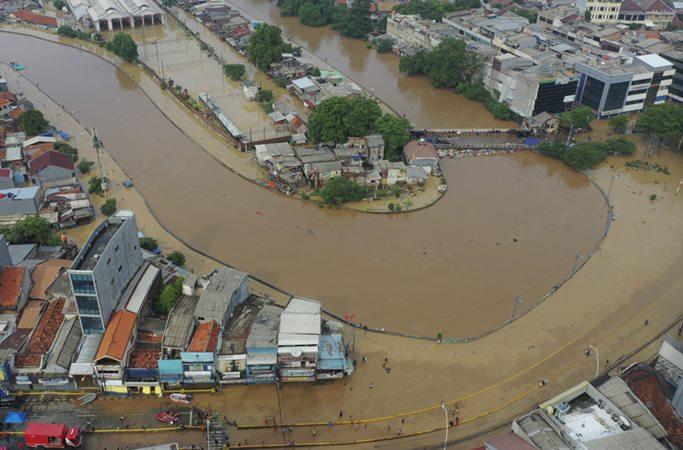 Banjir yang melanda sebagian wilayah Jakarta, Kamis (2/1/2020). -  ANTARA/Nova Wahyudi