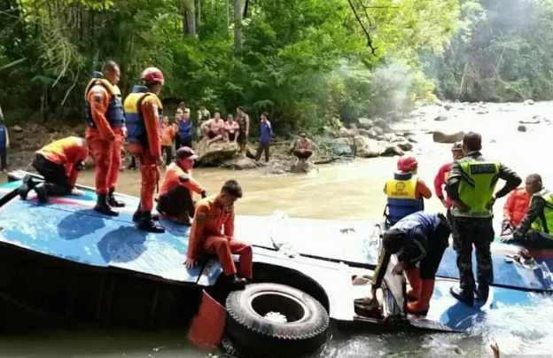 Kecelakaan maut Bus Sriwijaya di Sungai Lematang Kota Pagaralam - Antara