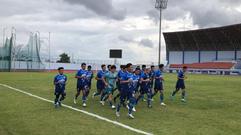 Para pemain Persib Bandung melakukan latihan. - Bisnis/Dea Andriyawan