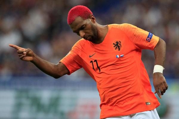 Ryan Babel dalam balutan jersey Timnas Belanda. - Reuters/Gonzalo Fuentes
