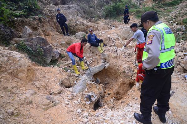 Penambangan emas tanpa izin (PETI) di Kampung Ciguha, Gunung Pongkor, Nanggung, Bogor, Jabar. - Antara
