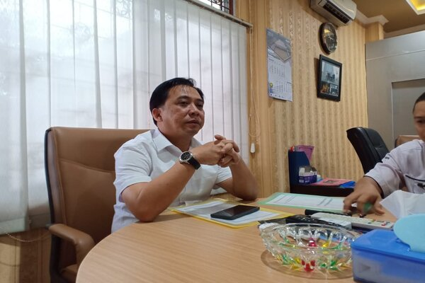 Kepala Satuan Kerja (Kasatker) PJN Wilayah I Provinsi Sumsel, Dedy Mandarsyah, saat memberikan keterangan kepada wartawan. - Bisnis/Dinda Wulandari