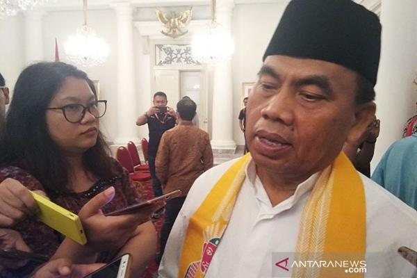 Sekretaris Daerah DKI Jakarta Saefullah saat ditemui wartawan di Balai Kota Jakarta, Jumat (15/11/2019) - ANTARA/Ricky Prayoga