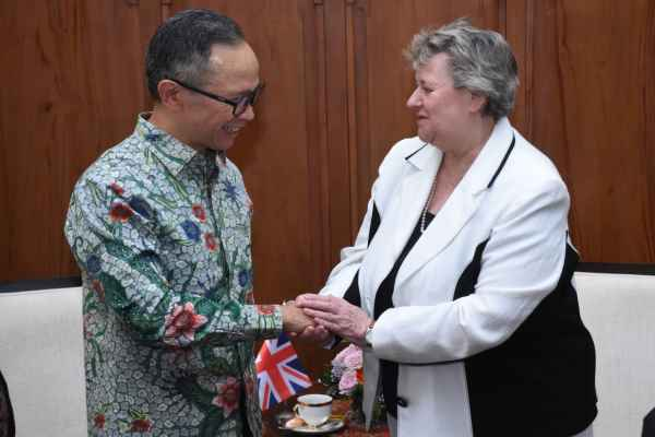 Wakil Menteri Luar Negeri RI Mahendra Siregar saat menerima kunjungan Menteri Inggris untuk Asia Pasifik, Heather Wheeler, Selasa (14/1/2020) - Kemenlu