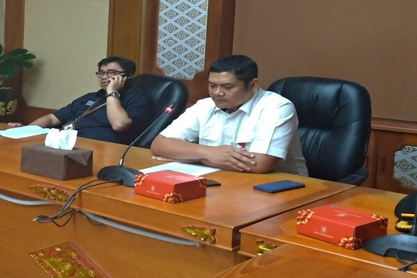 Kadis Perhubungan Provinsi Bali I Gede Wayan Samsi Gunarta (kanan). - Bisnis/Busrah Ardans