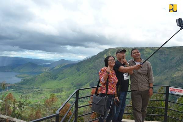 Wisata Tele Geopark Danau Toba di Kabupaten Samosir Sumatra Utara. - Dok. Kementerian PUPR