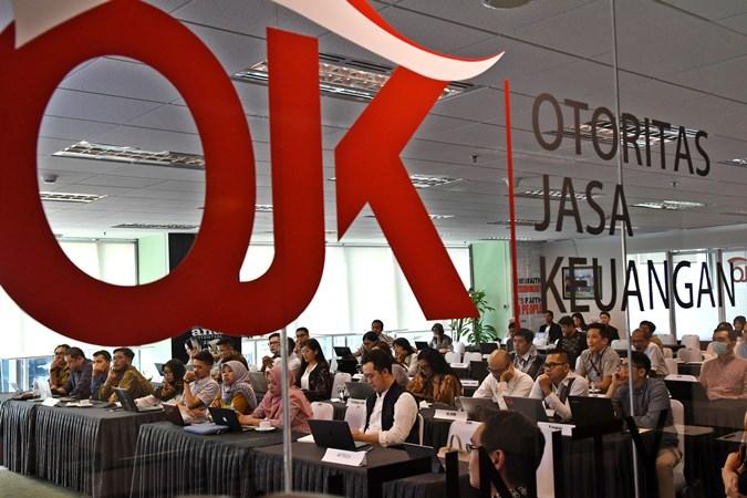 Sejumlah peserta menyimak sosialisasi layanan sistem elektronik pencatatan inovasi keuangan digital di ruangan OJK 'Innovation Center for Digital Financial Technology' (Infinity), Jakarta, Selasa (29/10/2019). - Antara/Aditya Pradana Putra