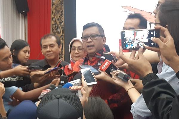 Hasto Kristiyanto - Bisnis/Jaffry Prabu Prakoso