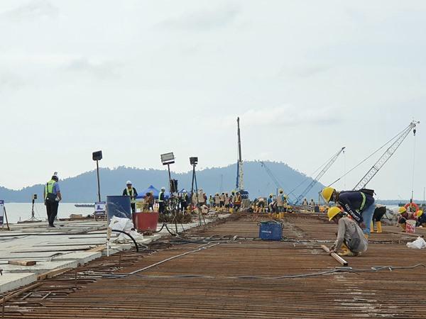 Pembangunan Terminal Kijing Kalimantan Barat. BISNIS - Rio Sandy Pradana