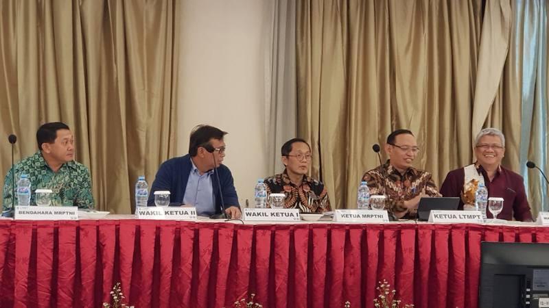 Pemilihan ketua Majelis Rektor Perguruan Tinggi Negeri se-Indonesia (MRPTNI) berlangsung Jumat  (17/1/2020) malam di Hotel Atlet Century, Senayan Jakarta. - Dok. Humas UNS