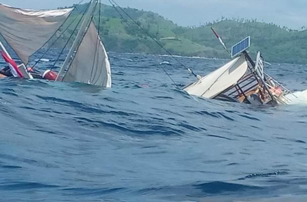 Kapal wartawan yang terbalik di Labuan Bajo - Istimewa
