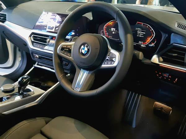 Interior BMW 3 Series - Bisnis/Asteria Desi