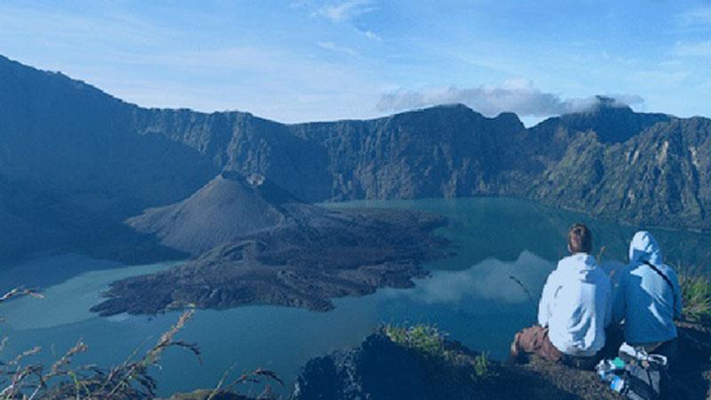 Puncak Gunung Rinjani di Lombok, Nusa Tenggara Barat. - Dok. Balai Taman Nasional Gunung Rinjani