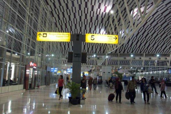Bandara Sultan Hasanuddin, Makassar, Sulawesi Selatan. - Bisnis/Paulus Tandi Bone