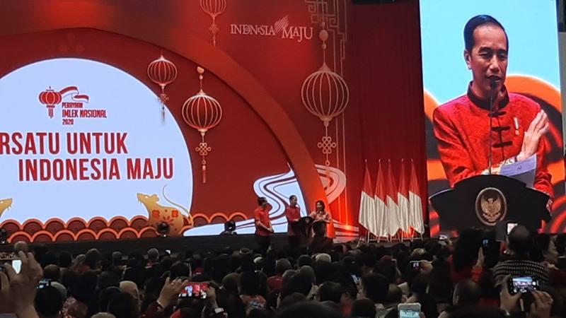 Presiden Joko Widodo memberikan sambutannya pada acara perayaan Imlek Nasional 2020 di Indonesia Convention Exhibition Serpong, Tangerang, Banten, Kamis (30/1/2020). Perayaan Imlek Nasional 2020 yang dihadiri lebih dari sepuluh ribu warga Tionghoa Indonesia ini mengangkat tema