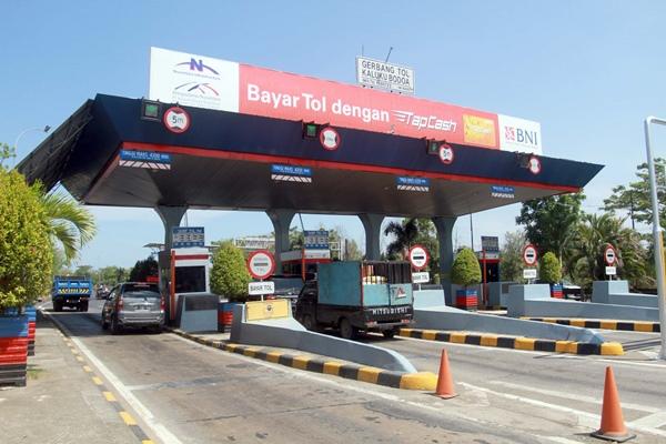 PT Bosowa Marga Nusantara (BMN) kembali memberlakukan penyesuaian tarif baru untuk Jalur Tol Ujung Pandang seksi I dan II. Tarif baru tersebut secara resmi mulai berlaku pada 31 Januari 2020 dengan kenaikan rerata sebesar 7,08 persen - Bisnis/Paulus Tandi Bone