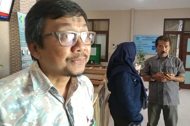 Kepala KKP Kelas 1 Batam, dr. Ahmad Farhani ketika menjelaskan hasil rapat koordinasi kesiapan Batam sebagai salah satu daerah alternatif kepulangan WNI dari China ke Indonesia. Ia ditemui seusai rapat di Kantor Kesehatan Pelabuhan (KKP) Kelas 1 Batam, Batu Ampar, Batam. - Bisnis/Bobi Bani