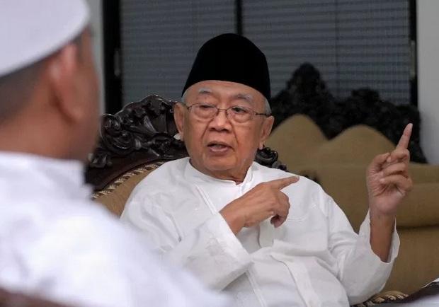 Pengasuh Ponpes Tebuireng KH Salahuddin Wahid atau Gus Sholah. - Antara