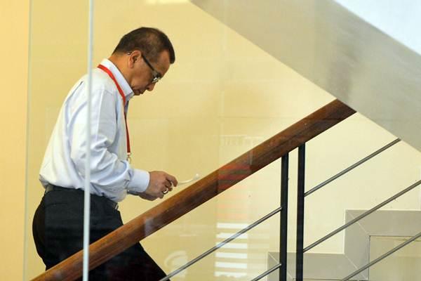 Mantan Direktur Utama PT Garuda Indonesia, Emirsyah Satar bersiap menjalani pemeriksaan di gedung KPK Jakarta, Kamis (11/1/2018). - ANTARA/Wahyu Putro A