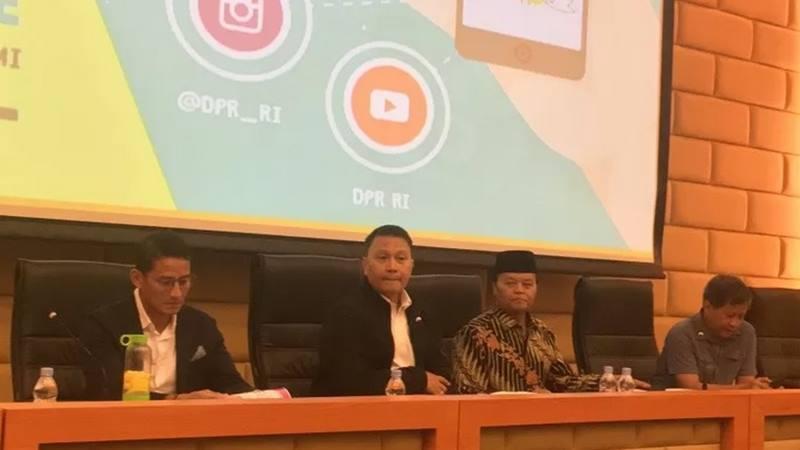Suasana diskusi dan peluncuran buku KamiOposisi di Ruang Abdul Muis Kompleks Parlemen RI, Senayan, Jakarta, Selasa (4/2/2020). - Antara