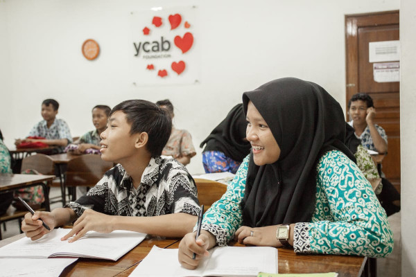 Aktivitas belajar mengajar di rumah belajar YCAB di Duri Kepa, Jakarta Barat -  istimewa
