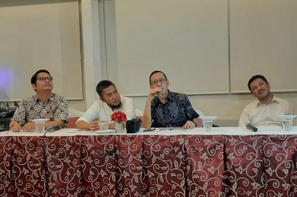 Wakil Direktur Utama Cirebon Power, Joseph Pangalila (kedua kanan) - Bisnis/Hakim Baihaqi