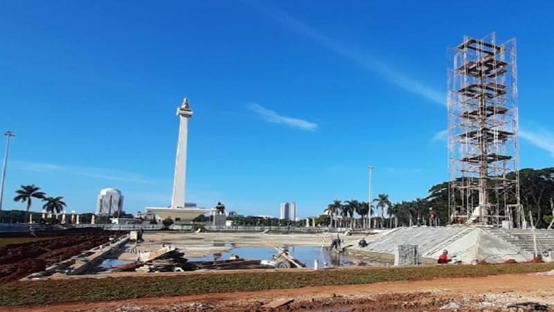 Proyek pembangunan Revitalisasi Monas atau penataan Taman Medan Merdeka. JIBI - Bisnis/Aziz R
