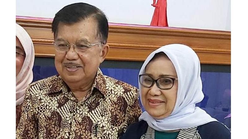 Ketua Umum PMI Jusuf Kalla bersama istri Mufidah Jusuf Kalla - Bisnis/Maria Yuliana Benyamin