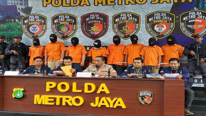 Polda Metro Jaya meringkus 8 tersangka tindak pidana pencurian dan pembobolan rekening bank milik Ilham Bintang, Rabu (5/2/2020). JIBI - Bisnis/Sholahuddin Al Ayyubi