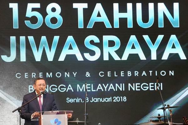 Direktur Utama PT Asuransi Jiwasraya Hendrisman Rahim menyampaikan sambutan pada  perayaan ulang tahun ke-158 Asuransi Jiwasraya di Jakarta, Senin (8/1). - JIBI/Dedi Gunawan