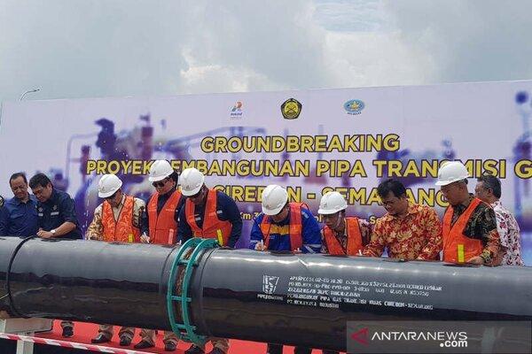 Peletakan batu pertama pembangunan jaringan pipa gas transmisi Cirebon-Semarang sepanjang 255 kmdi rest area KM 379 Tol Batang-Semarang, Jumat (7/2/2020). - Antara/I.C.Senjaya