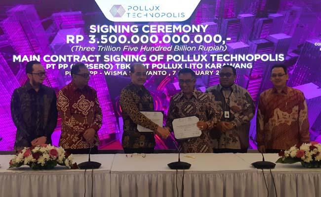 Acara penandatanganan PT Pollux Properti Indonesia Tbk. dan PT PP (Persero) Tbk. dalam pembangunan proyek Pollux Technopolis di Karawang. - BISNIS/Ilham Budiman
