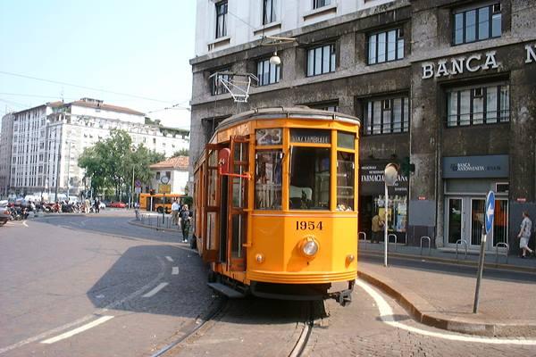 Trem, angkutan di Milan Italia - wikimedia.org
