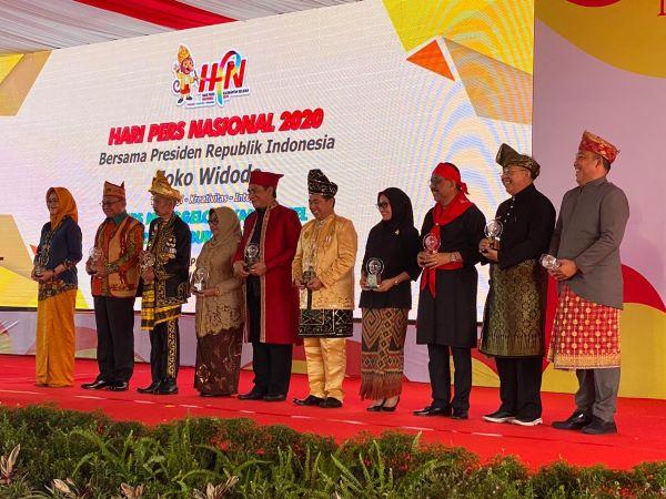Dalam perayaan puncak Hari Pers Nasional 2020 turut diserahkan Anugerah Kebudayaan oleh PWI Pusat yang difasilitasi oleh Apeksi dan Apkasi. -  Istimewa