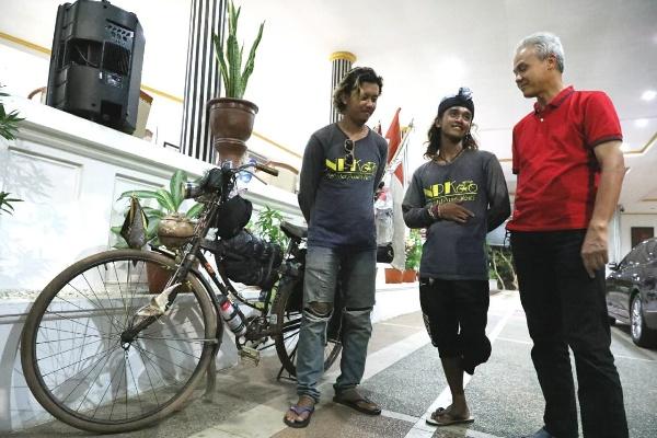 Nanang dan Kiki Dua Penyandang Difabel saat bertemu Gubernur Jawa Tengah Ganjar Pranowo.
