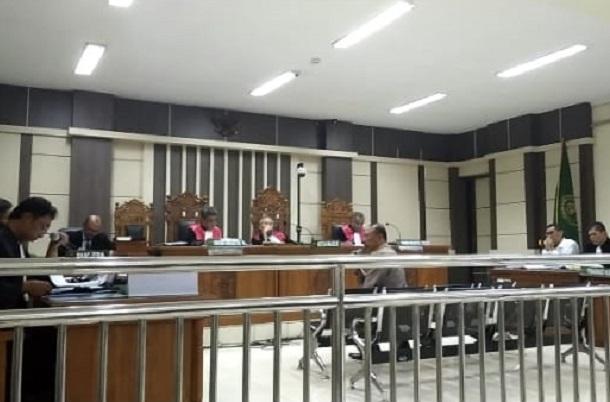 Kontraktor asal Kudus Noor Halim saat menjadi saksi dalam kasus jual beli jabatan di lingkungan Pemkab Kudus di Pengadilan Tipikor Kota Semarang. - Bisnis/Alif Nazzala Rizqi