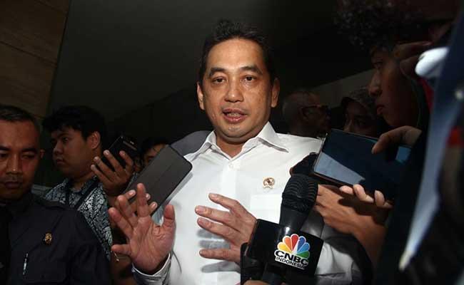 Menteri Perdagangan Agus Suparmanto memberikan keterangan pers mengenai kajian pembatasan impor produk China di Jakarta, Senin (3/1). Bisnis - Triawanda Tirta Aditya